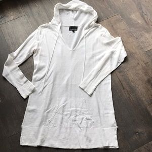 Lightweight white linen/cotton hooded tunic.  Sz M